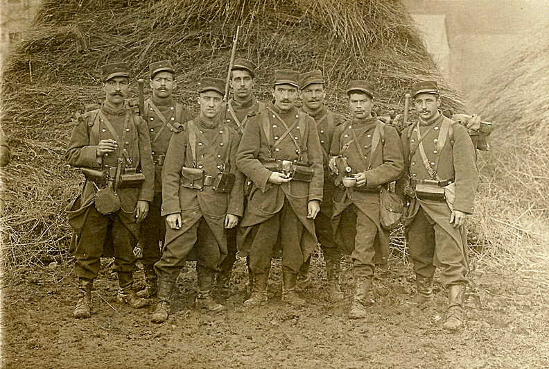 groupe-militaires-04.jpg